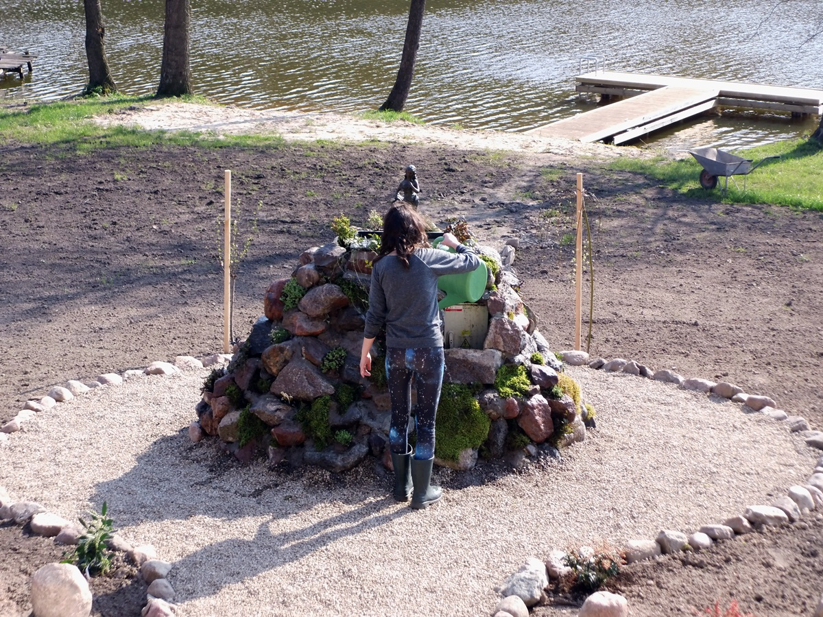 Teren zielony, budowa fontanny, budowa grilla, jezioro, architektura ogrodowa, czarna kuta, mazurski raj,