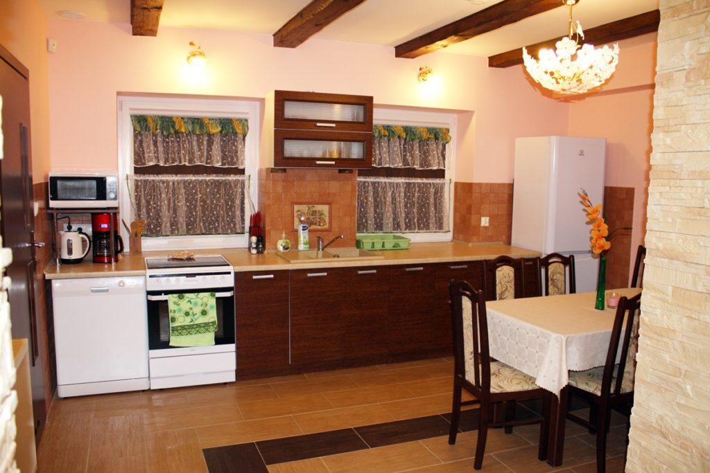kuchnia, apartament z salonem