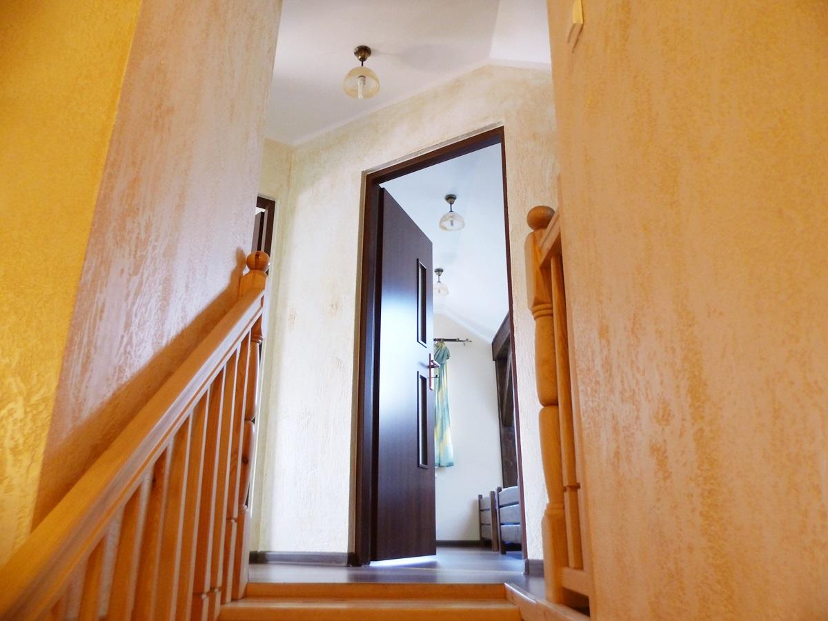 schody, poręcze drewniane