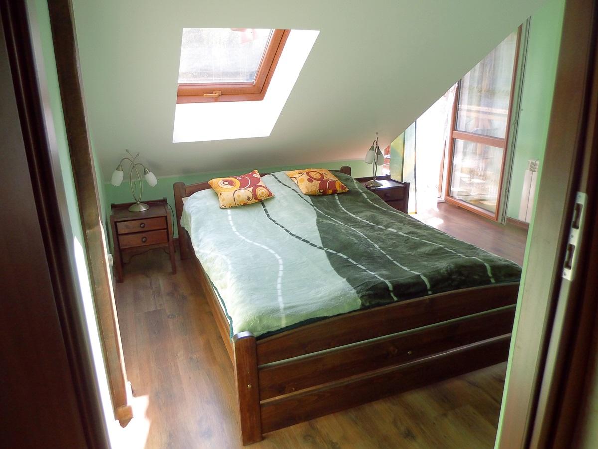 sypialnia, łóżko