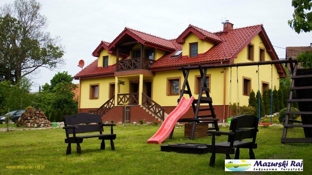 Plac zabaw w Mazurskim Raju